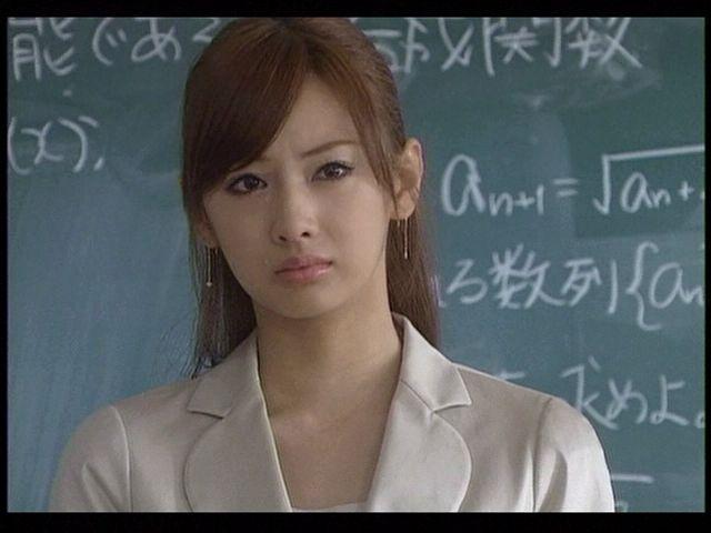 北川景子の私服がお洒落すぎる!私服のブランドや画像まとめ!のサムネイル画像