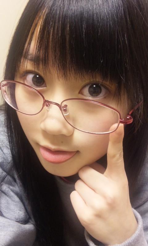 眼鏡っ娘の小倉唯
