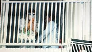 ローラが事務所を移籍する?移籍する理由はあの芸人との結婚?のサムネイル画像