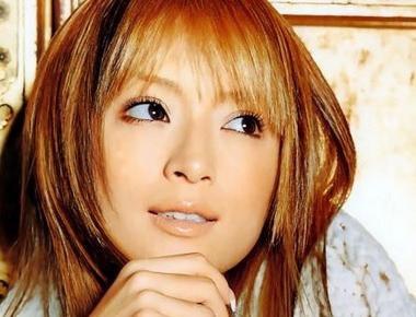 浜崎あゆみの本名は?女優やモデルとして活躍していた過去とは?のサムネイル画像