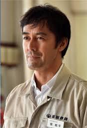 人気俳優の阿部寛は性格も良すぎ!誰からも愛されるその性格とは?のサムネイル画像