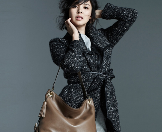 秋山成勲の妻、shihoが韓国で人気?国内外の評判は?のサムネイル画像