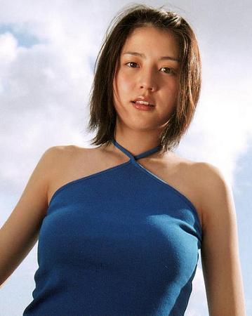 長澤まさみの今は貴重な水着画像!胸のカップ数を画像で大検証!のサムネイル画像