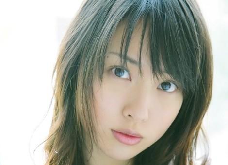 綾野剛の歴代彼女が豪華すぎる!橋本愛や戸田恵梨香の名前ものサムネイル画像