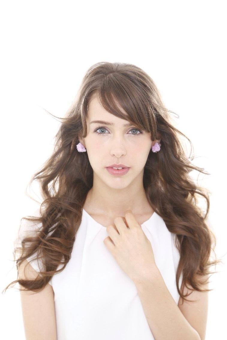 ステファニー・ヨーステンがロンハーに出演!歌手なの?モデルなの?のサムネイル画像
