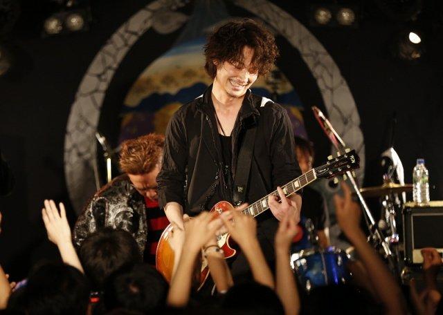 綾野剛はデビュー前にバンドやモデルをやっていた?噂の真相はのサムネイル画像