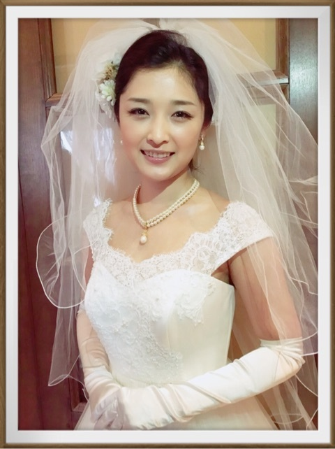 ウエディングドレス姿の石川梨華