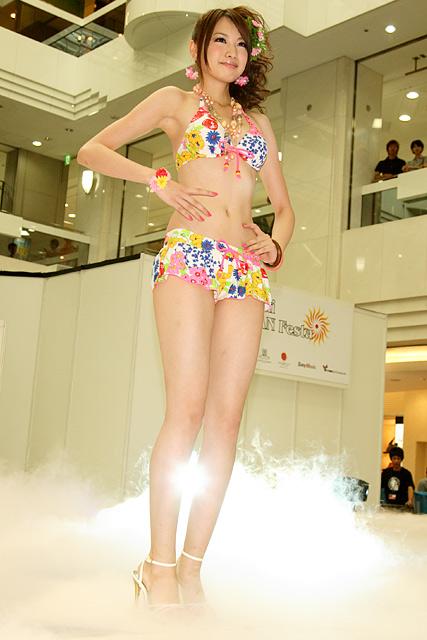 宮田聡子の水着グラビア画像まとめ!人気モデルの胸やカップ数が気になる!のサムネイル画像