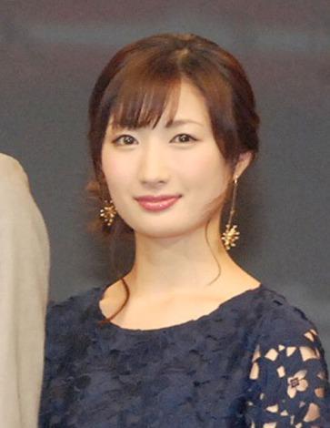 武田梨奈の腹筋がヤバい!空手家女優はCMでも頭突きで瓦割り!のサムネイル画像