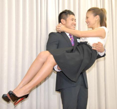 山下智久と石原さとみの熱愛フライデー!彼女から妻へ?結婚秒読み!?のサムネイル画像
