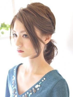 前髪が長いときのアレンジ方法♡大人気の髪型・ポニーテールやショートも作れちゃう!のサムネイル画像