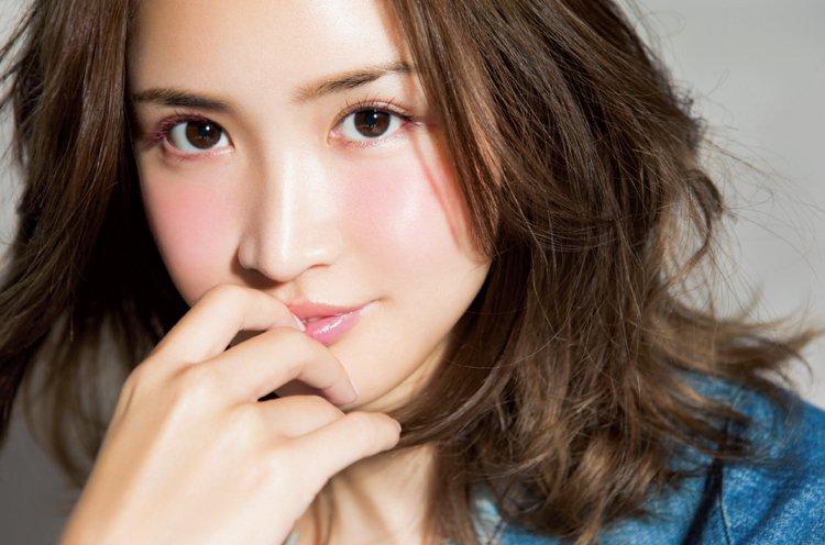 まつげがかわいい紗栄子