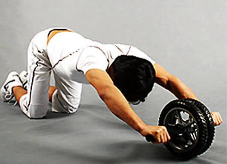筋トレで腹筋を毎日鍛える方法とは?最短で腹筋を割る回数教えます!のサムネイル画像