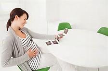 妊娠初期の腹痛について。出血・下痢・チクチクはいつまで続くの?のサムネイル画像