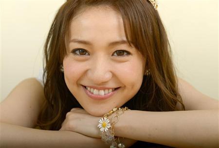 大島優子のタバコ画像が流出!喫煙者だから歯が汚い?銘柄は何?のサムネイル画像