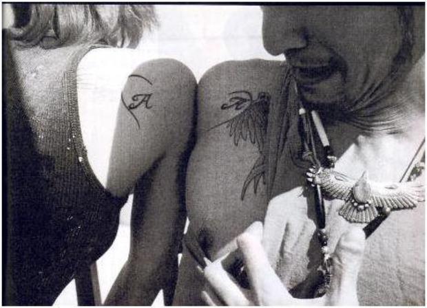 【入れ墨】タトゥーや刺青入りの芸能人・有名人まとめ!横山健や木村拓哉など