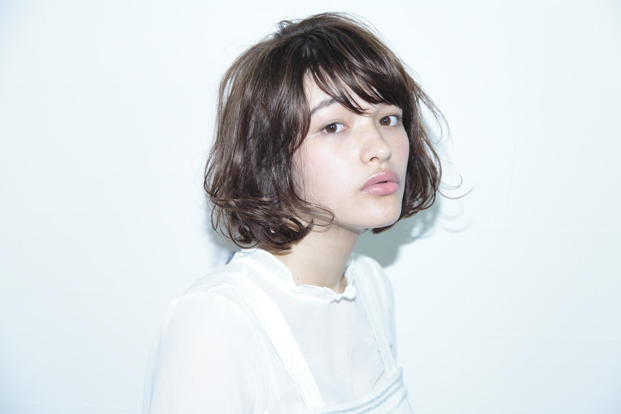 【黒髪ショート】パーマ・ストレート・ボブ・前髪なし【丸顔・