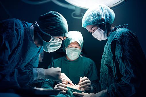 性転換手術で男から女になった術後写真まとめ。費用や方法は?のサムネイル画像