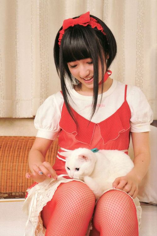 声優・悠木碧が大きい胸を強調した画像30選!カップサイズを徹底調査!のサムネイル画像