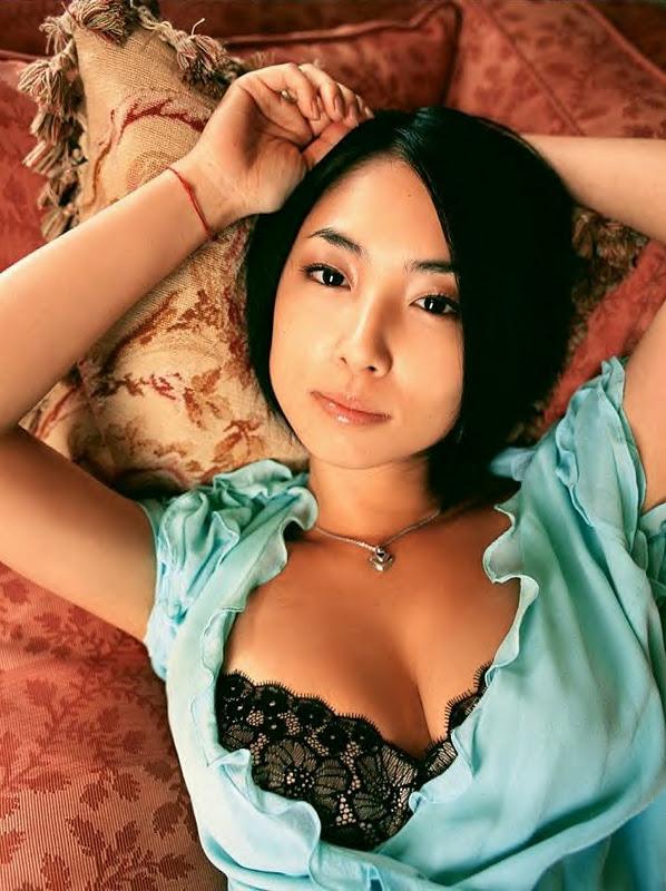 【Hカップ】MEGUMIの水着胸画像!お宝グラビア写真30選のサムネイル画像