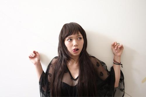 【プレイボーイ画像】二階堂ふみバニー姿披露!お宝セクシー胸谷間・尻写真のサムネイル画像