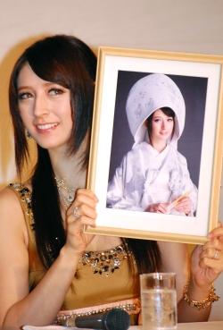 リア・ディゾンの今現在の画像を発見!週プレの表紙に!結婚・離婚騒動まとめのサムネイル画像