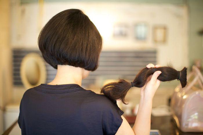 ベリーショートレディースの黒髪がかっこいい!【ツーブロック・髪型・セット】のサムネイル画像