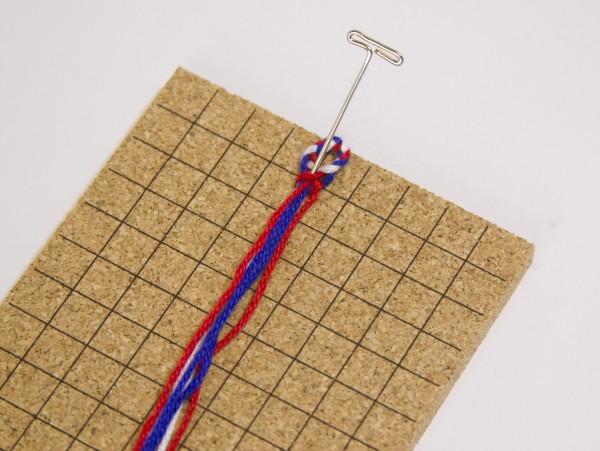 ミサンガのハート模様の簡単な編み方・作り方まとめ!【3色・図案】のサムネイル画像