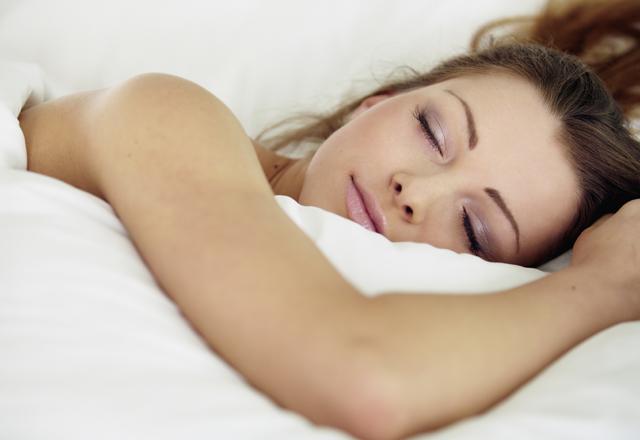 絆創膏で二重のやり方のコツ!できない理由は?おすすめは寝ること?のサムネイル画像