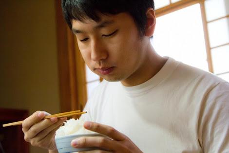 1日1食ダイエットに若返り・便秘解消効果は?この健康法で痩せた芸能人を紹介!のサムネイル画像
