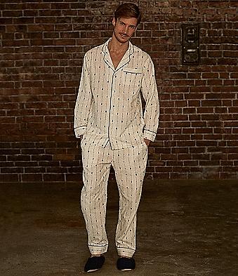 【パジャマ】おすすめ!メンズの部屋着まとめ!人気の生地・素材も紹介!のサムネイル画像