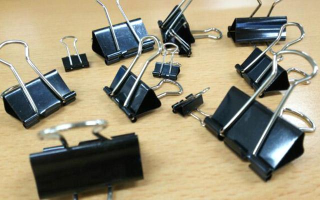 ケーブル・コード類をおしゃれにまとめる!100均グッズを使ったまとめ方!のサムネイル画像