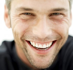 【男性心理】行動やしぐさで好意がわかる!好きな人にとってしまう態度とは?のサムネイル画像