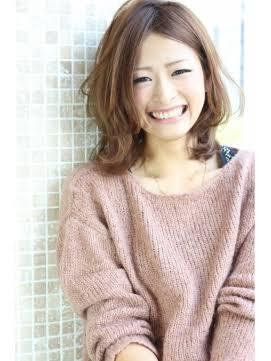 面長に似合う髪型はコレ!顔が長い女性向けヘアアレンジのポイント一挙紹介!のサムネイル画像