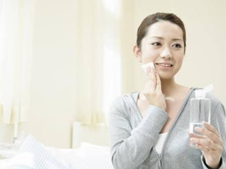 美肌になる正しいスキンケア方法!化粧水や洗顔の選び方も紹介!のサムネイル画像