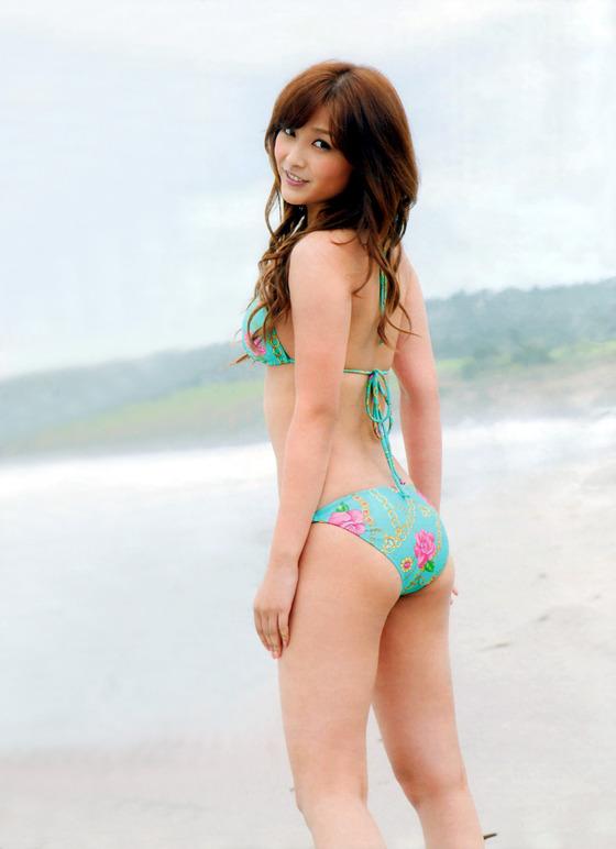 元モーニング娘。石川梨華のかわいい水着画像集!カップサイズも調査!のサムネイル画像