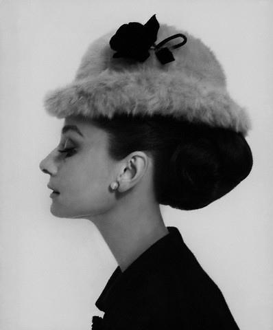 Audrey Hepburn Pinky Ring