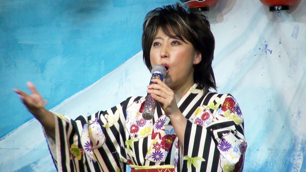 友近の演歌ネタ「水谷千重子」が面白い!歌唱力に注目!(動画あり)のサムネイル画像
