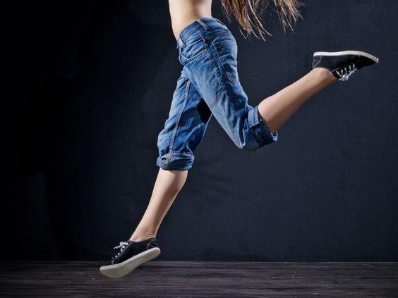ヒップアップエクササイズで脚を長く!簡単スクワットなど、筋トレまとめ!のサムネイル画像