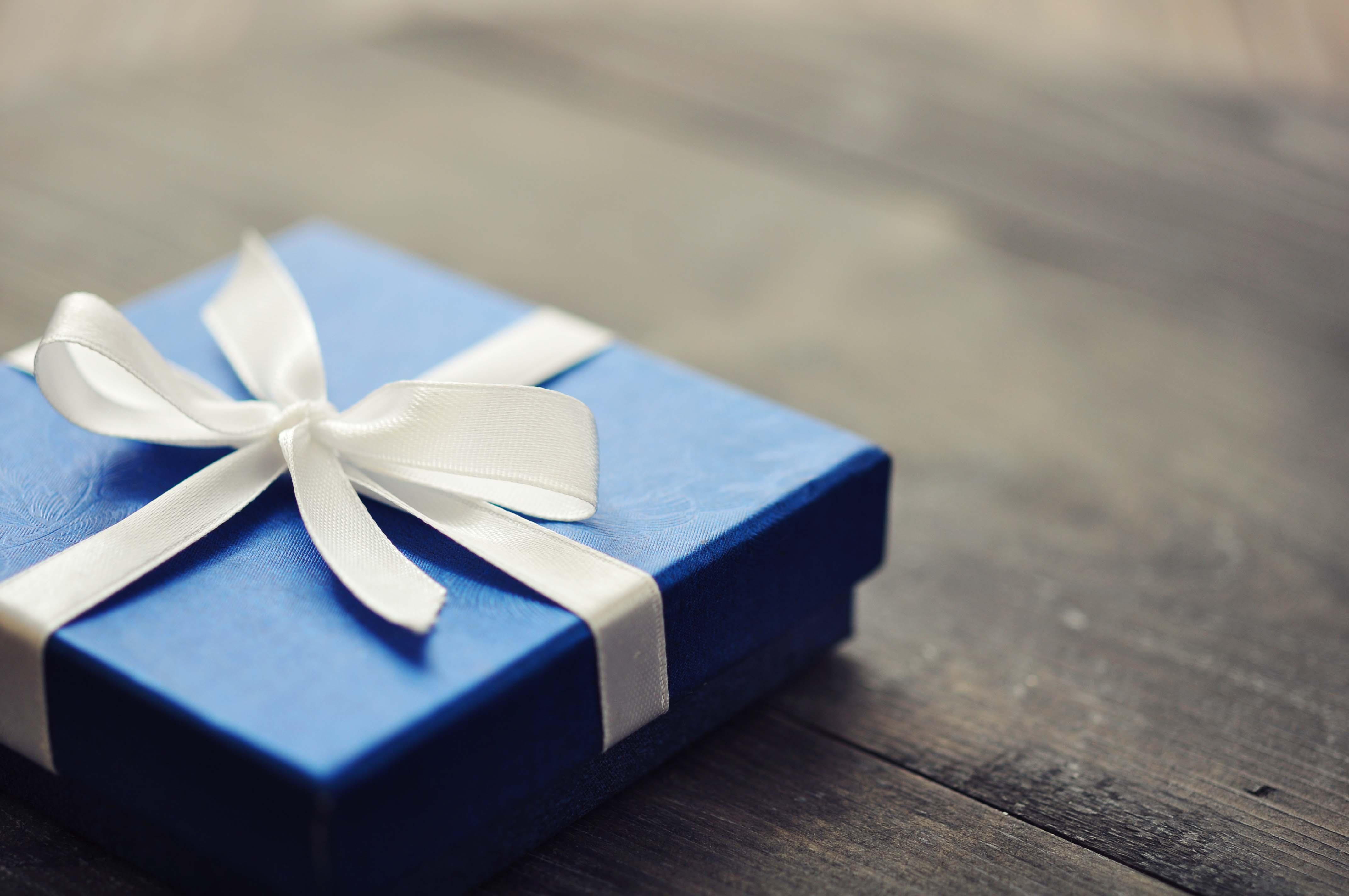 40代男性がもらって嬉しいプレゼントおすすめランキング!のサムネイル画像