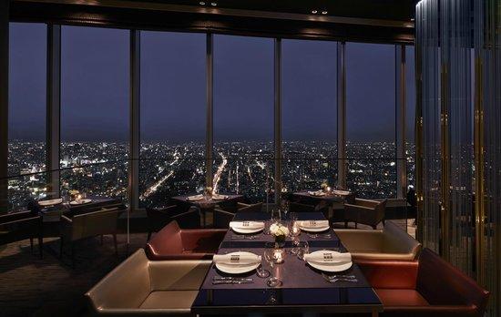 【クリスマスディナー】大阪で夜景の見える人気おすすめレストラン&ホテルを紹介!のサムネイル画像