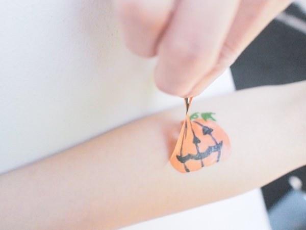 ダイソーのハロウィン2016まとめ【メイク・仮装・衣装・つけま】のサムネイル画像