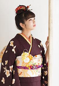 小松菜奈の成人式の振り袖を着ている画像がかわいい!どこのブランド? | Pinky[ピンキ-]