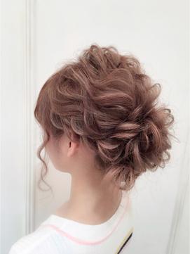 結婚式の髪型!ロングヘアをお呼ばれ用に簡単セット!ハーフアップで小顔に!のサムネイル画像