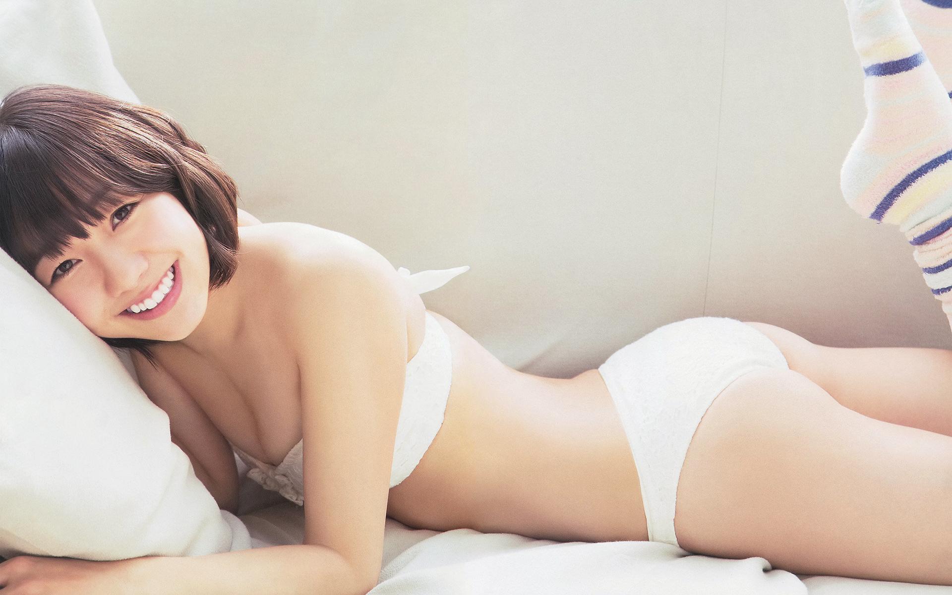 須田亜香里の爽やかな水着画像