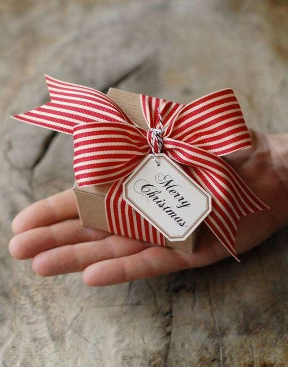 50代の母・義母への誕生日プレゼントランキングトップ10!絶対喜ぶ!のサムネイル画像