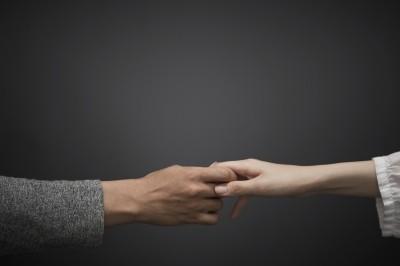 恋愛ができない・向いてないと感じる理由と特徴!解決策も詳しく解説!のサムネイル画像