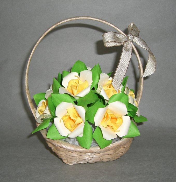 折り紙で花の簡単な折り方!バラや立体的な作り方解説【桜・梅・カーネーション】のサムネイル画像