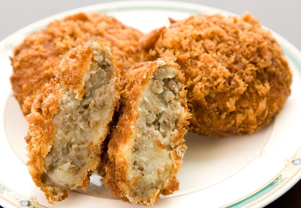 メンチカツのカロリーや糖質は?ダイエット中におすすめの食べ方のサムネイル画像