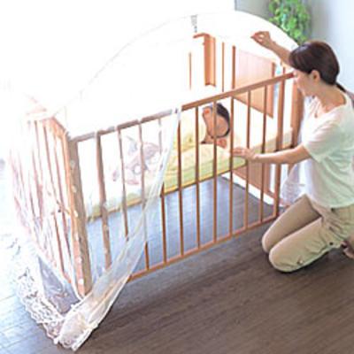 ベッドガード・柵で赤ちゃん子供の転落防止!使い方とおすすめまとめのサムネイル画像